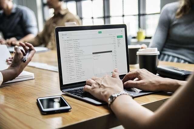 Изпращане на онлайн съобщения