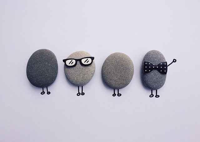 симпатични камъчета екип тиймбилдинг